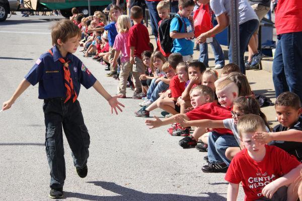 026 UHS Homecoming parade 2013.jpg