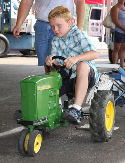 029 Fair Pedal Tractor.jpg