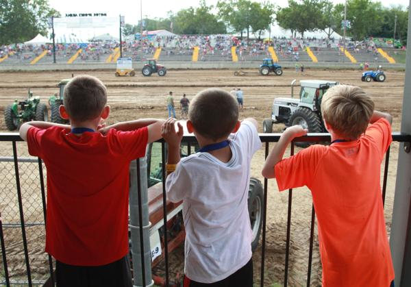 001 Tractor Pull at the Fair 2014.jpg