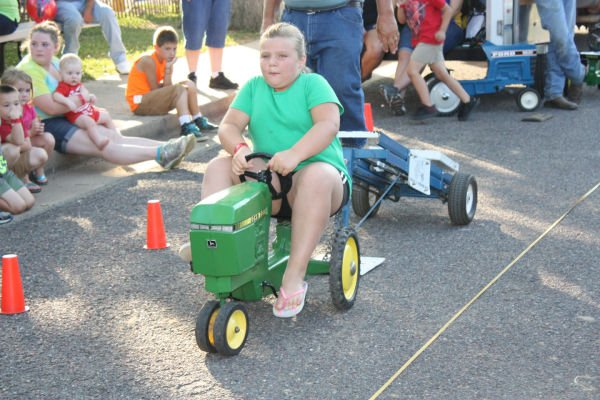 013 Franklin County Fair Pedal Tractor Pull.jpg