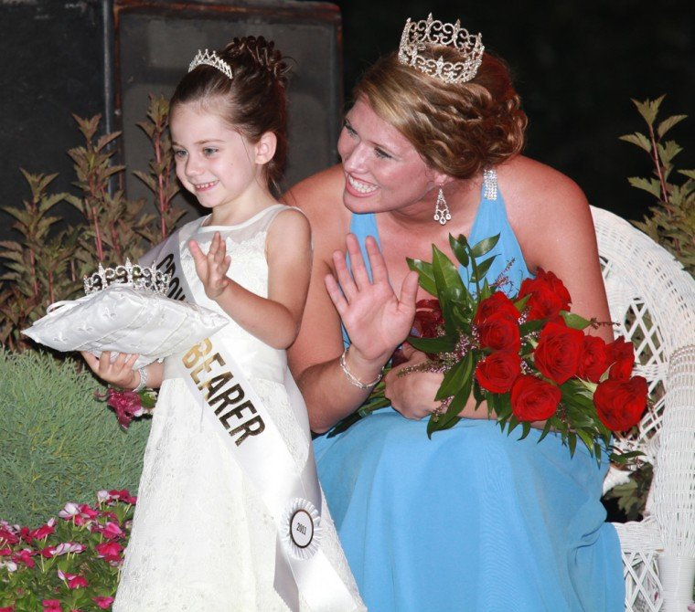 010 Fair Queen Contest.jpg