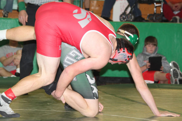 046cl2dist1wrest13.jpg