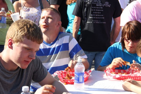 015 Hot Wings Eating Contest 2013.jpg