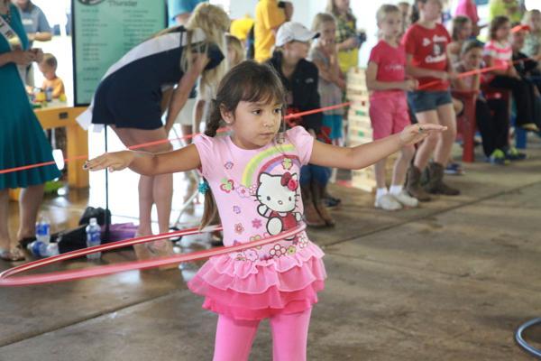 003 Fair Hula Hoop Contest 2014.jpg