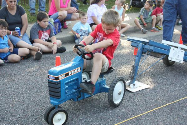 007 Franklin County Fair Pedal Tractor Pull.jpg
