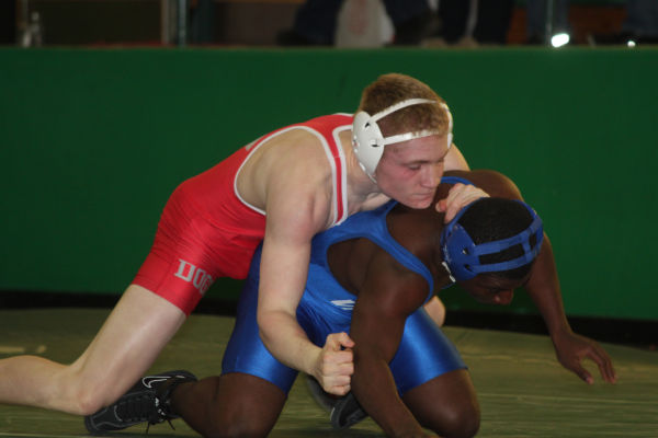 054cl2dist1wrest13.jpg