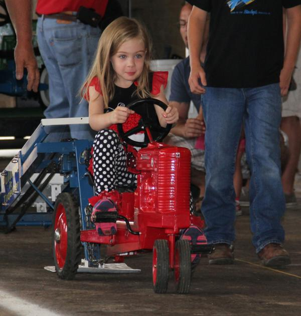 011 Pedal Tractor Pull 2014.jpg