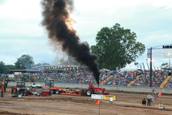 019 Tractor Pull at the Fair 2014.jpg