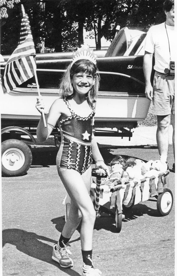 4th of July girl with wagon