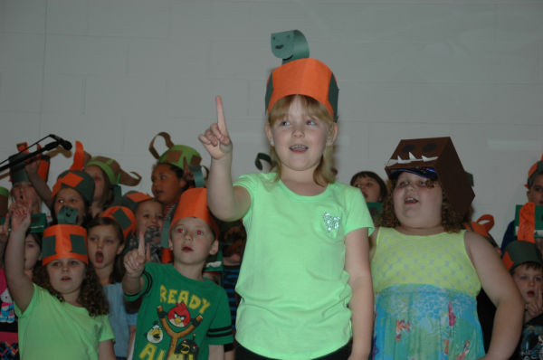 004 St Clair First Grade Concert.jpg