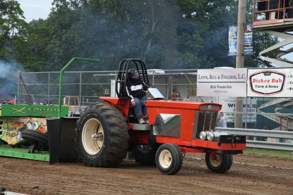 016 Tractor Pull Fair 2013.jpg