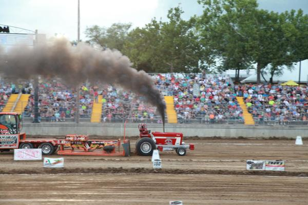 006 Tractor Pull at the Fair 2014.jpg