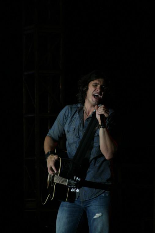 020Joe Nichols Plays TnC Fair 2011.jpg