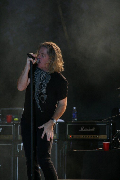 003Collective Soul Play TnC Fair 2011.jpg