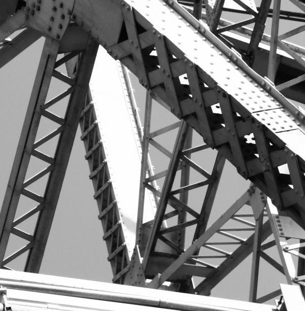004 Missouri River Bridge in Black and White.jpg