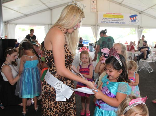 020 Queen for a Day 2014.jpg