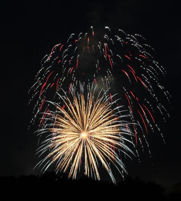 009 Washington MO Fireworks.jpg