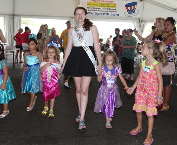 026 Queen for a Day 2014.jpg