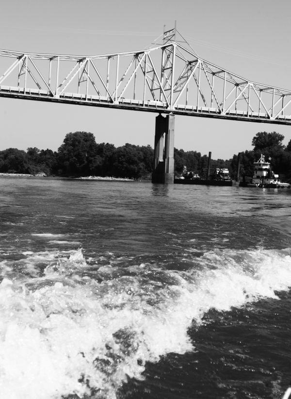 018 Missouri River Bridge in Black and White.jpg