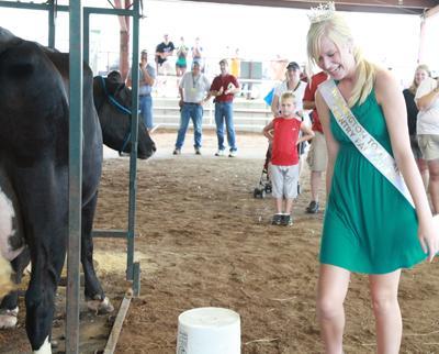 013 Fair Milking Contest.jpg