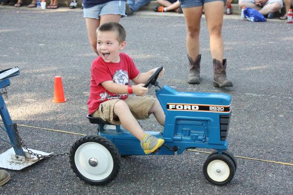 001 Franklin County Fair Pedal Tractor Pull.jpg