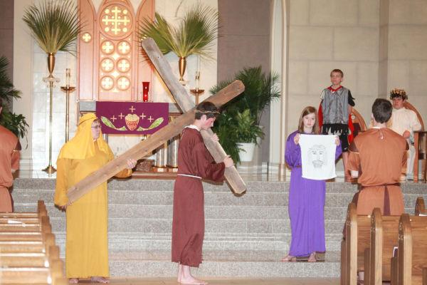 016 OLL Stations of the Cross 2014.jpg