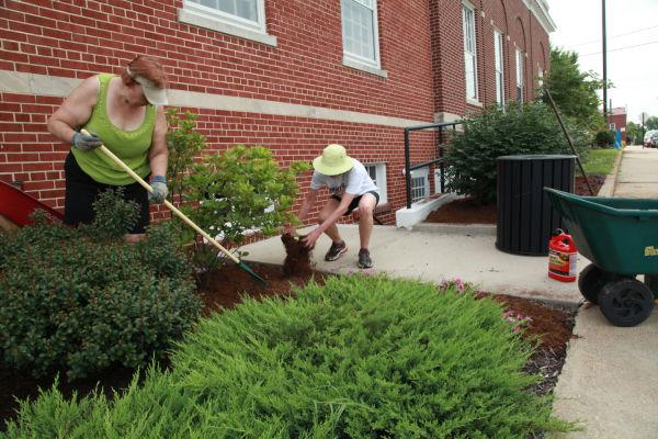 012 Downtown Clean Up Day 2014.jpg