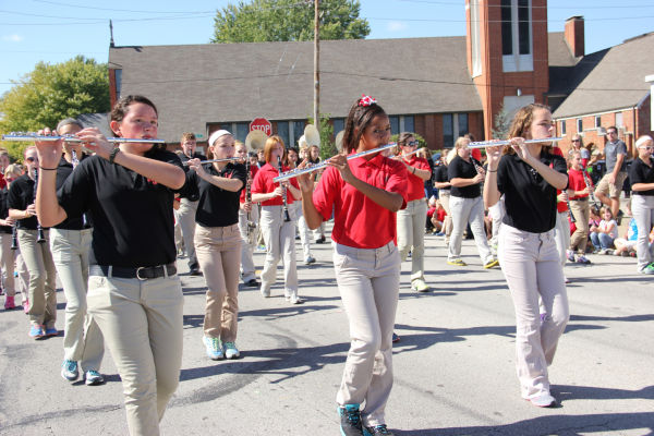 023 UHS Homecoming parade 2013.jpg