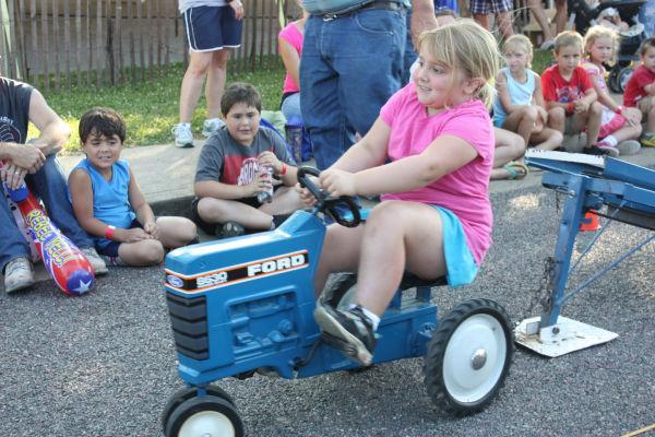 004 Franklin County Fair Pedal Tractor Pull.jpg