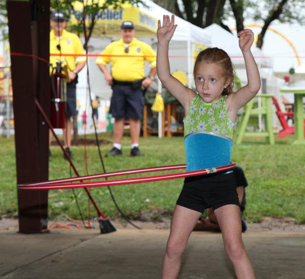 010 Fair Hula Hoop Contest 2014.jpg