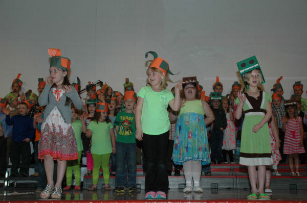 001 St Clair First Grade Concert.jpg
