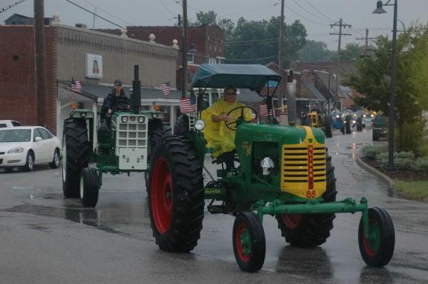 018 Tractors in St Clair.jpg