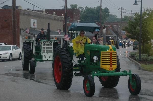 018 Tractors in St Clair.jpg