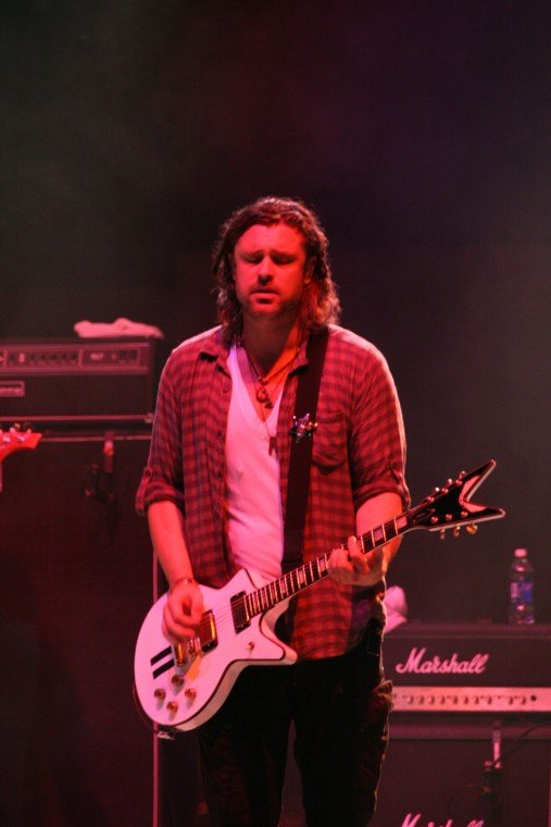 022Collective Soul Play TnC Fair 2011.jpg