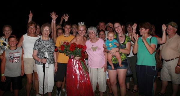 043 Fair Queen Contest.jpg