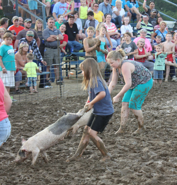 006 Franklin County Fair Pig Scramble.jpg
