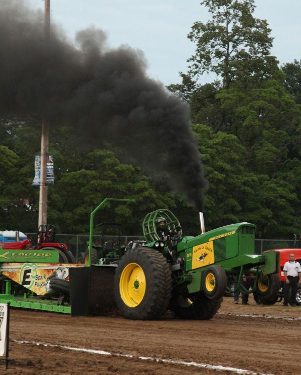 042 Tractor Pull Fair 2013.jpg