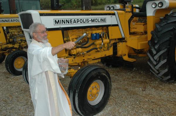 009 Tractors in St Clair.jpg