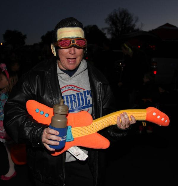 005 OLL trunk or Treat.jpg