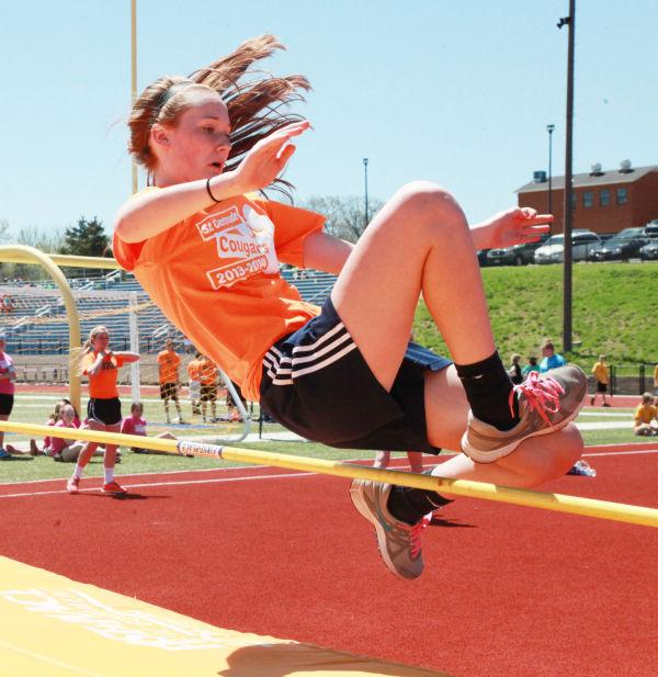 017 7th and 8th Grade Track and Field.jpg