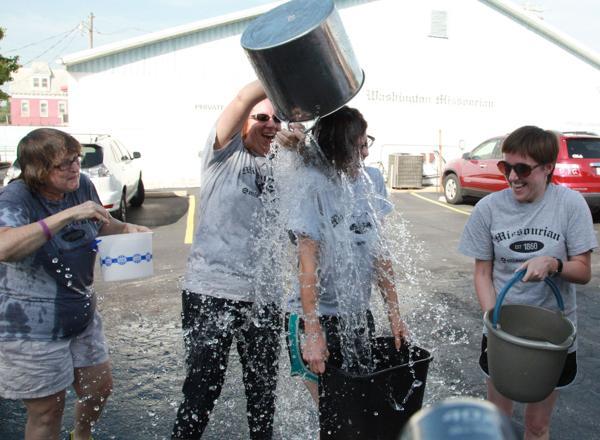 009 Washington Missourian Newspaper Ice Bucket Challenge.jpg