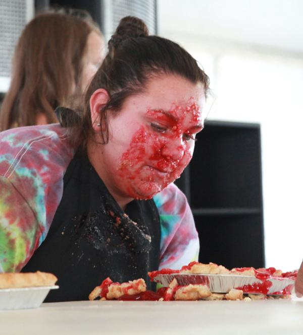 021 Pie eating Contest at fair 2014.jpg