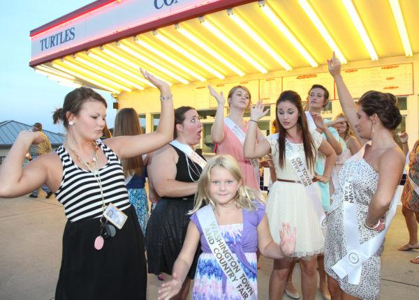 021 Fair Queens at Paradise.jpg