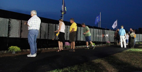 045 Moving Wall Thursday Evening in Wahington.jpg