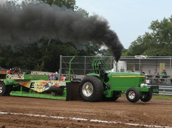 032 Tractor Pull Fair 2013.jpg