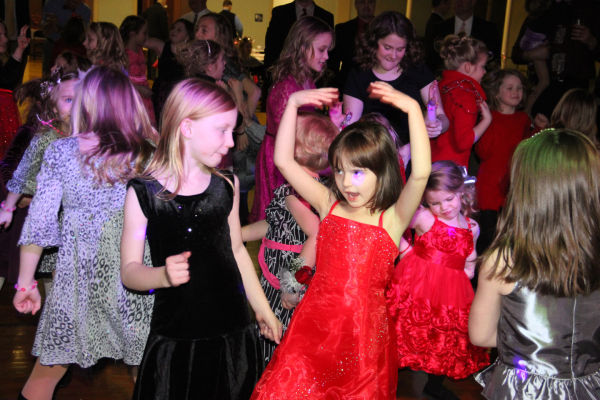 023 Washington Sweetheart Dance.jpg