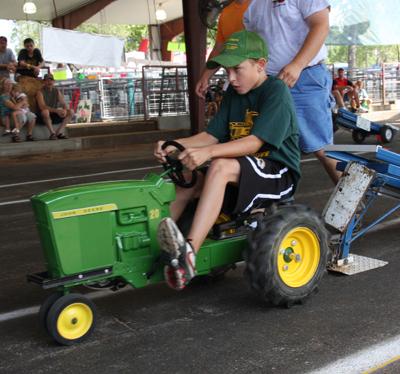013 Fair Pedal Tractor.jpg