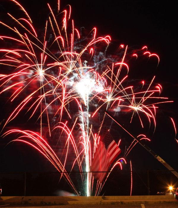 003 Fireworks in Washington May 24.jpg
