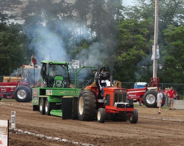 014 Tractor Pull Fair 2013.jpg