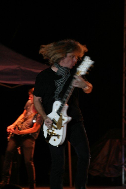 029Collective Soul Play TnC Fair 2011.jpg